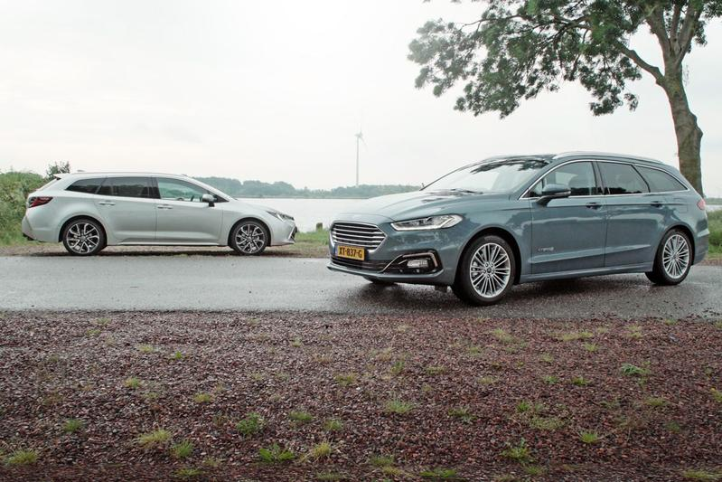 Ford Mondeo Wagon Hybrid vs. Toyota Corolla TS Hybrid - Dubbeltest