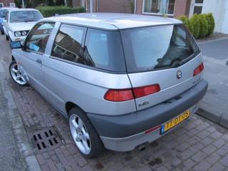 Alfa Romeo 145 2.0 TD L (1998)