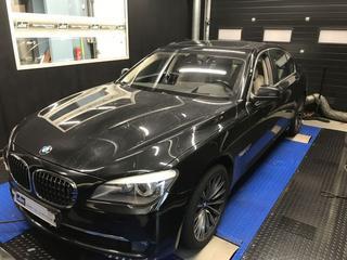 BMW 750i High Executive (2009)
