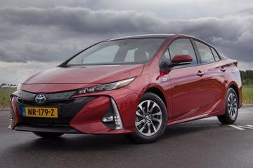 Toyota Prius Plug-in Hybrid Business Plus