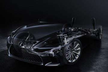 Lexus warmt op voor LS