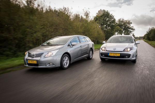 Video: Renault Laguna vs Toyota Avensis - Occasion Dubbeltest