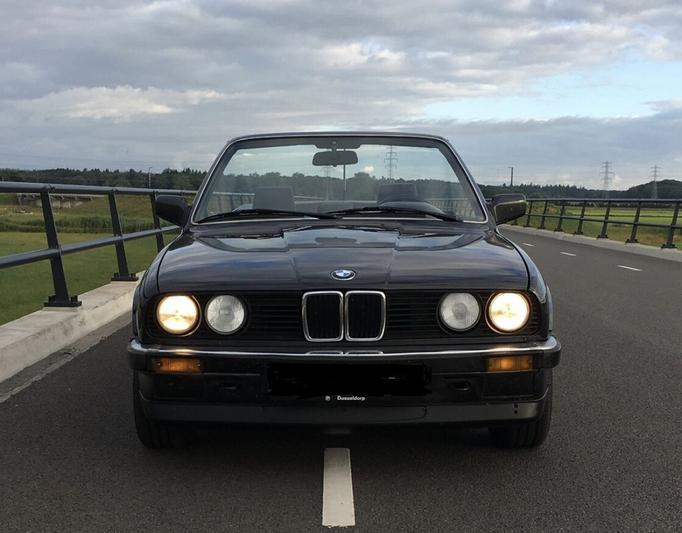 BMW 320i Cabrio (1989)