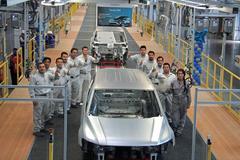 Verlengde Volkswagen Tiguan komt begin 2017