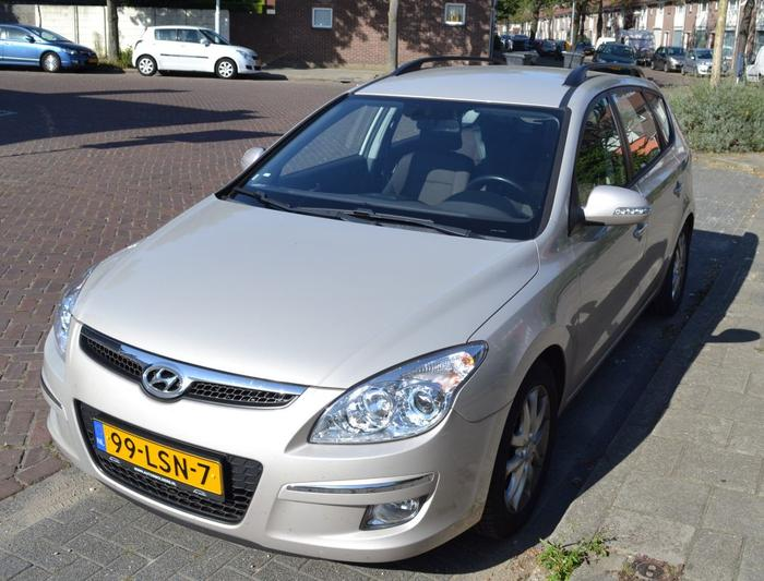 Hyundai i30 CW 1.6 CRDi VGT HP StyleVersion (2010)
