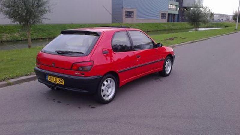 Peugeot 306 XN 1.4i (1995)