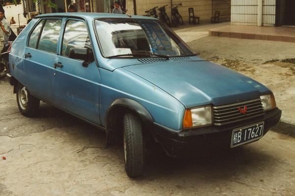 De Tweeling: Citroën Visa – Wuling LZW 7100