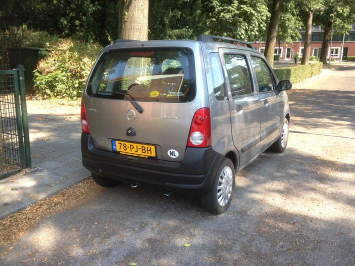 Opel  (2004)