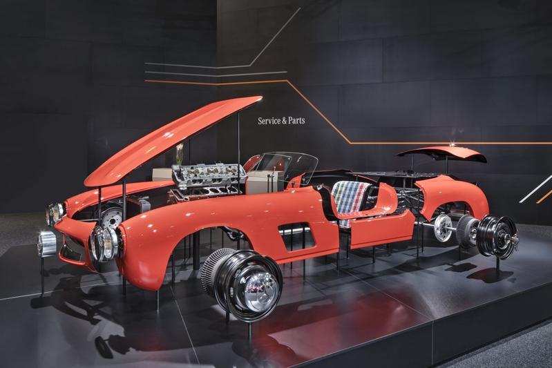 Mercedes-Benz maakt plaatwerk 300 SL 'Gullwing'