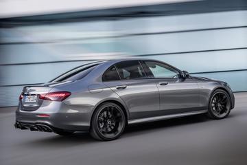 Mercedes-Benz E-klasse onder het mes